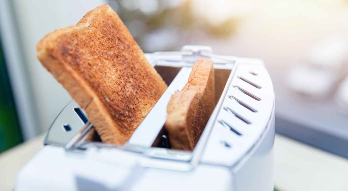 top-bread-toasters-modern