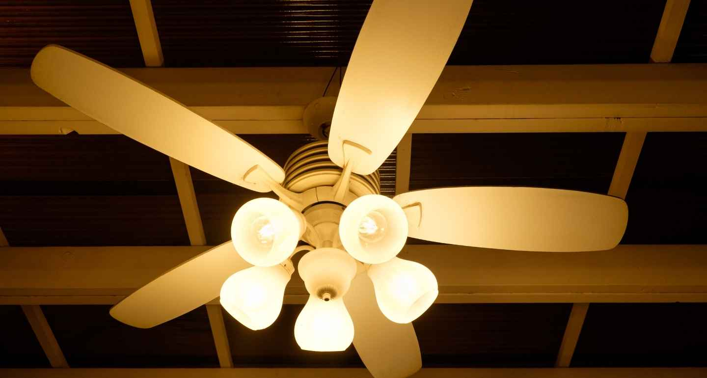 11 Best Ceiling Fans With Lights In India November 2020 Buyer S Guide
